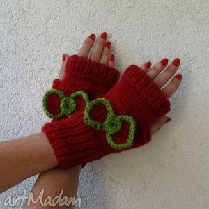 ręcznie robione rękawiczki z kokardą