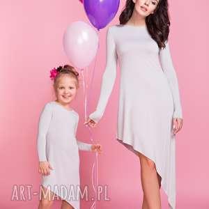 sukienki sukienka asymetryczna z długim rękawem mama tm3, kolor jasnoszary