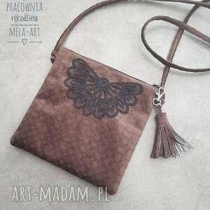 Melat01 mała torebka haftowana z chwostem handmade mini mela art
