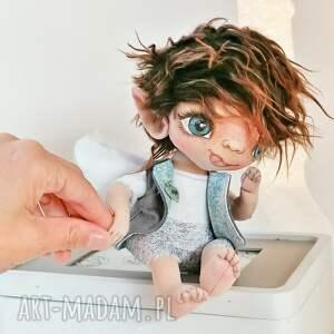 szkrab - lalka kolekcjonerska figurka tekstylna ręcznie szyta i malowana