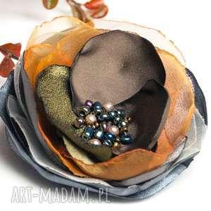 ręcznie zrobione broszki jesienna broszka kwiatek, modna przypinka, pomysł na prezent