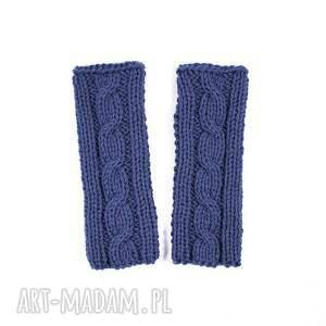 ręcznie zrobione rękawiczki mitenki jeansowe z warkoczem