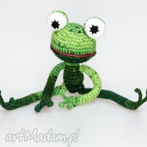 pod choinkę prezent, maskotki żabka, żyrafa, zwierzątko, zabawka