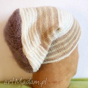 handmade czapki obrotna jak karuzela, tylko kolana zdziera
