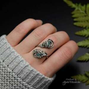 pierścionek regulowany z apatytem stal chirurgiczna wire wrapping