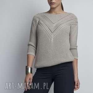 Sweterek z ażurową wstawką, SWE041 szary MKM, dzianinowy, ażurowy, łódka, jesienny