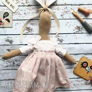 pani królik z wyszytym imieniem, przytulanka, szmancianka, prezent, urodziny