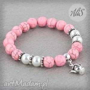 Jasnoróżowa elegancja - ,howlit,różowa,imbryk,srebrne,przekładki,gumka,