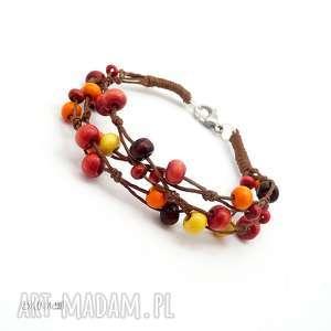 wyjątkowy prezent, jesienna bransoletka, jesień, drewno, len, koraliki, kolorowa