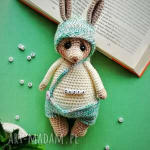 Maskotka króliczek w spodenkach personalizacja maskotki d art