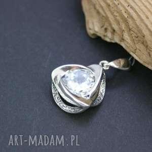 Zawieszka srebrna z cyrkonią, zawieszka, wisior, srebrny, cyrkonia, błyszcząca