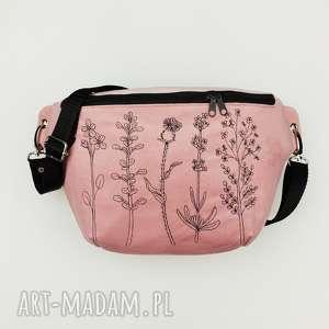 nerka xxl botanical, nerka, botaniczna, haft, pastelowa, saszetka, biodrówka