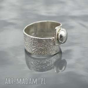 Srebrny pierścionek ONE, pierścionek, srebro, srebrny, surowy, srebro-marszczone