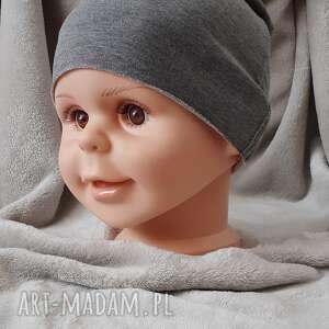 świąteczny prezent, czapeczka dzianinowa, cienka czapka, czapka dla chłopca