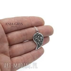 silver moon, srebrny, wisiorek, kamieńksiężycowy, aniagrys, rozeta wisiorki
