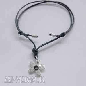 kwiat bransoletka, srebro, swarovski, sznurek