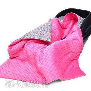 kocyk do fotelika nosidełka kolorowe serduszka amarant - nosidełko