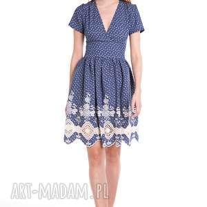 Sukienka Blanka, moda