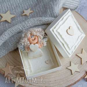 Aniołek Stróż - uroczy prezent wykonany dłońmi, z czułością. Pudełeczko. Mini