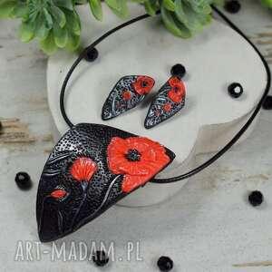 komplet biżuterii czerwone maki kolczyki wkrętki i naszyjnik, kolorowe