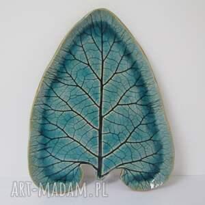 ceramiczny talerz liść, liść ceramiczny, ceramika z roślinami, prezent