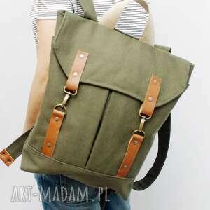 Plecak zielony, plecak, karabinki, flisanna