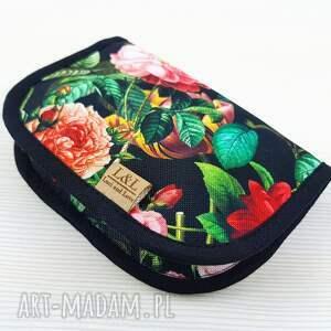 hand made etui dyskretnik to portfelik na podpaski lub kosmetyczka przybornik