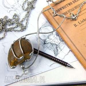 naszyjnik kwiat z brązowym krzemieniem, długi naszyjnik, wisiorek kamieni