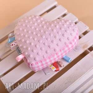 zabawka sensoryczna serce serce sensorek, pomysł na prezent, zabawka z metkami