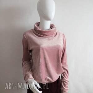 ręcznie zrobione bluzy