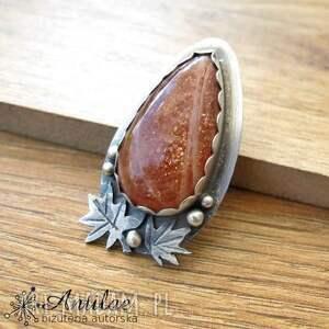 Słoneczny wisior, srebrny wisior z kamieniem słonecznym, liściasty kamień