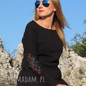 Czarna sukienka z haftowanymi rękawami., sukienka, dzianiny, bawełna, haftowana