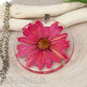 naszyjnik z prawdziwymi kwiatami zatopionymi w żywicy z444, biżuteria