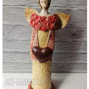 ceramika anioł różany z sercem, ceramika, anioł, róża, serce, ślub, walentynki