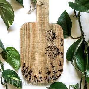 deska, drewniana podstawka, rustykalna dekoracja kuchni