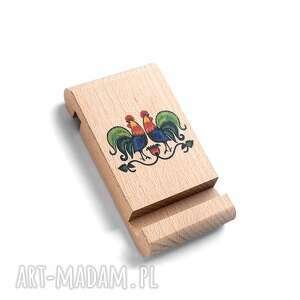 LudoweLove. Drewniany stojak pod telefon z grafiką KOGUTY