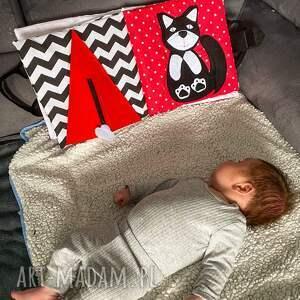 hand made zabawki timosimo - książeczka sensoryczna kontrastowa dla niemowlaka