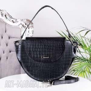 ręcznie zrobione torebki duża listonoszka w kształcie kuferka skóra krokodyla czarny