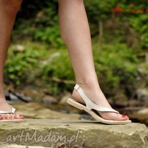 Góralskie Sandały Białe , góralskie, ludowe, folk, ćwieki