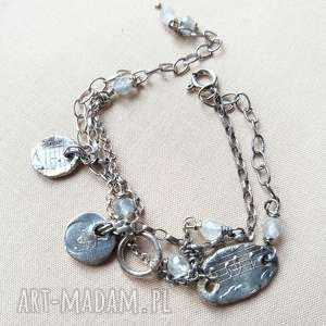 Bransoletka ze srebra z szarym kwarcem, srebro, oksydowane, surowa