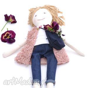 Prezent Lalka w dżinsach, lalka, dżinsy, futerko, prezent, urodziny