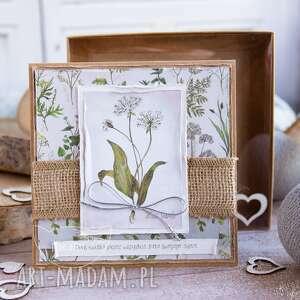 ręcznie robione kartki naturalna kartka z zielnika mrufru, na każdą okazję. Pudełeczko