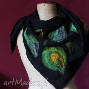 ręcznie zrobione chustki i apaszki chusta filcowana, wełną malowana