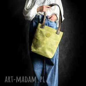 piękna damska torebka w kolorze limonkowym z brązowymi paskami od ladybuq art