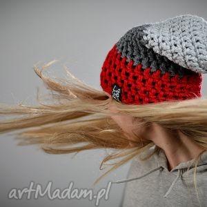 triquence 01 - czapka, szydełko, wełna, włóczka, ciepła, czerwona