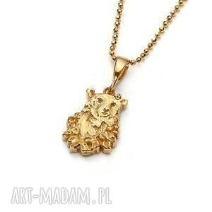 niedźwiedź mini wisiorek ze złoconego srebra, biżuteria z misiem, delikatny