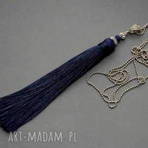 Wisiorek z chwostem wisiorki sisu sznurek, eleganckie, skromny