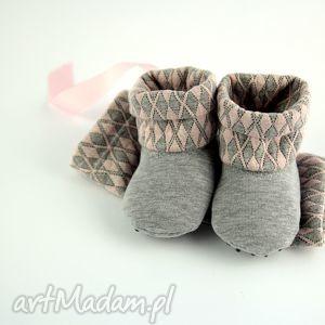 handmade buciki bambosze z golfem szaro-różowe