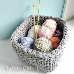 Szary koszyk z bawełnianego sznurka - ręcznie wykonane