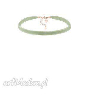 seledynowo-szary aksamitny choker z regulowanym zapięciem - różowe złoto